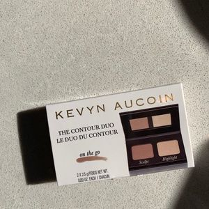 NWT Kevyn Aucoin The Contour & Highlighter Duo